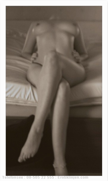 Telefonsex beskrivning: Ibland modellar jag, blir så kåt av att posera framför kameran... Kan du gissa vad som händer efteråt ;)