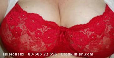 Telefonsex beskrivning: Stora sköna bröst.
