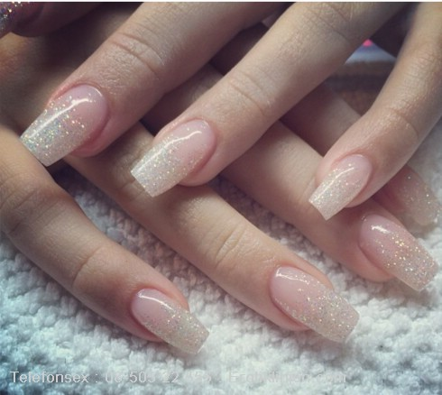 Telefonsex beskrivning: Dessa naglar kan göra mycket gott