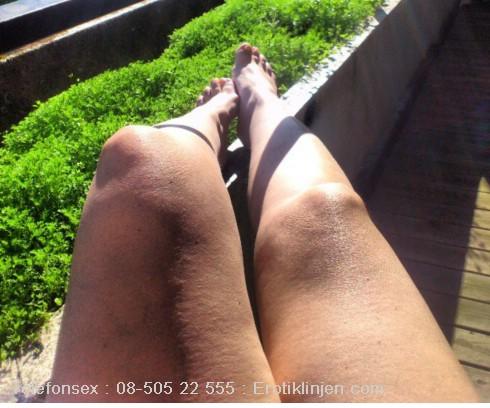 Camilla Telefonsex beskrivning: Saknar dina mjuka läppar på insidan av mina lår